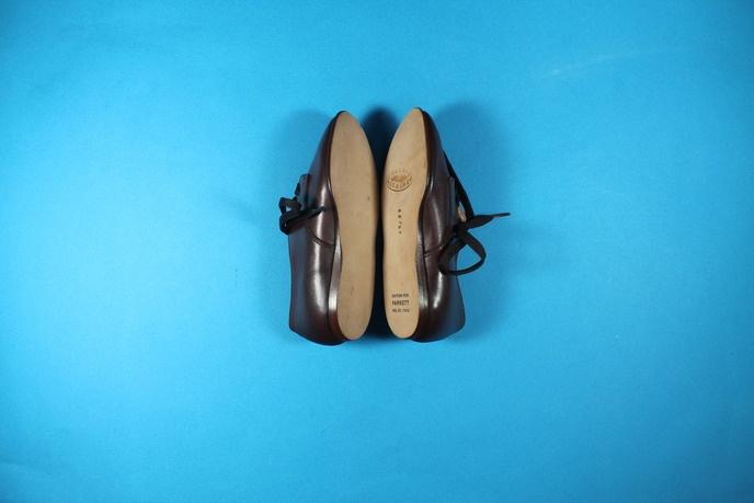 Two Shoes thumbnail 2