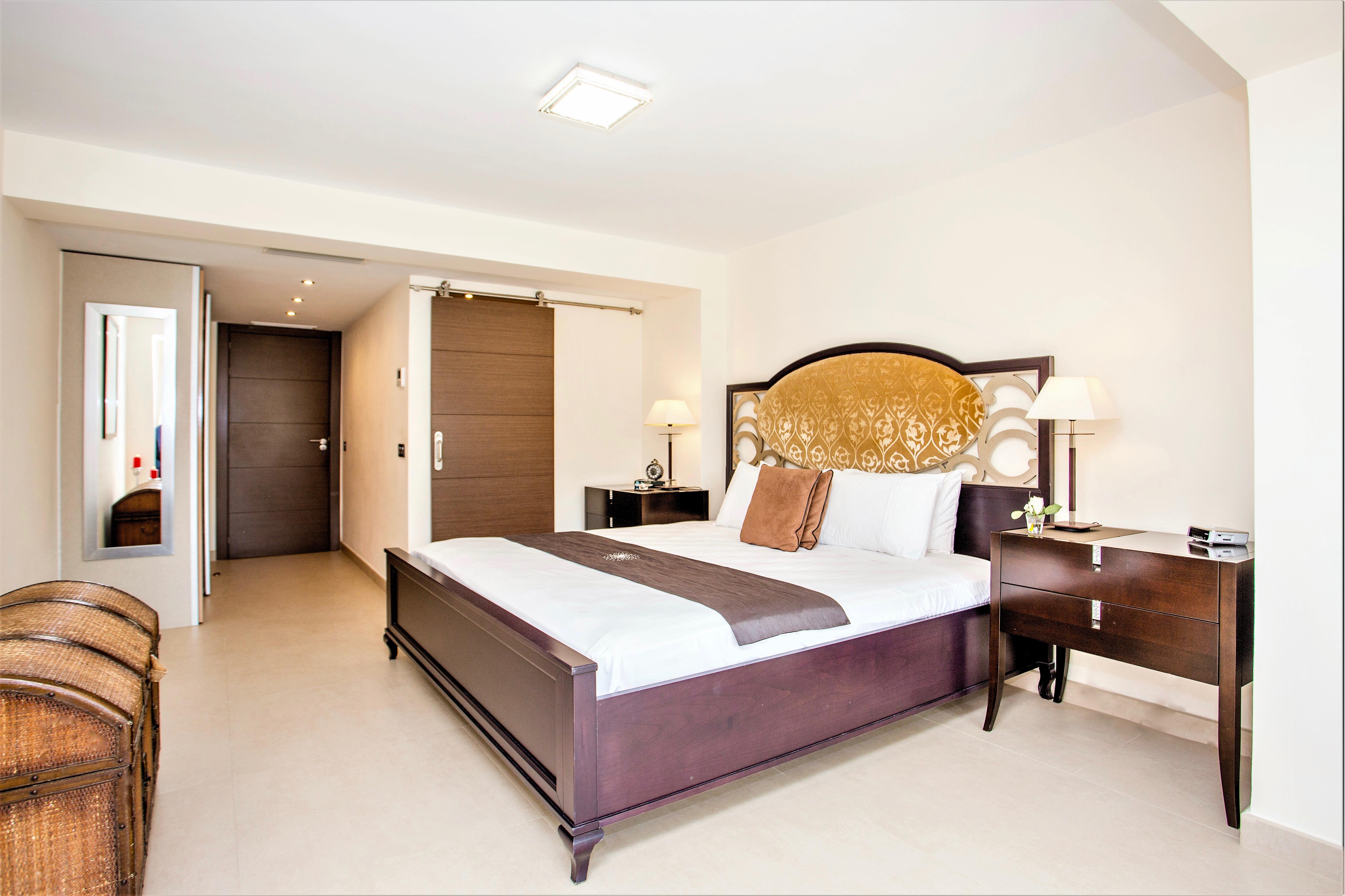 Apartment 4 B R  VILLA by Puerto Banus   Sea 5 m                                photo 20147464