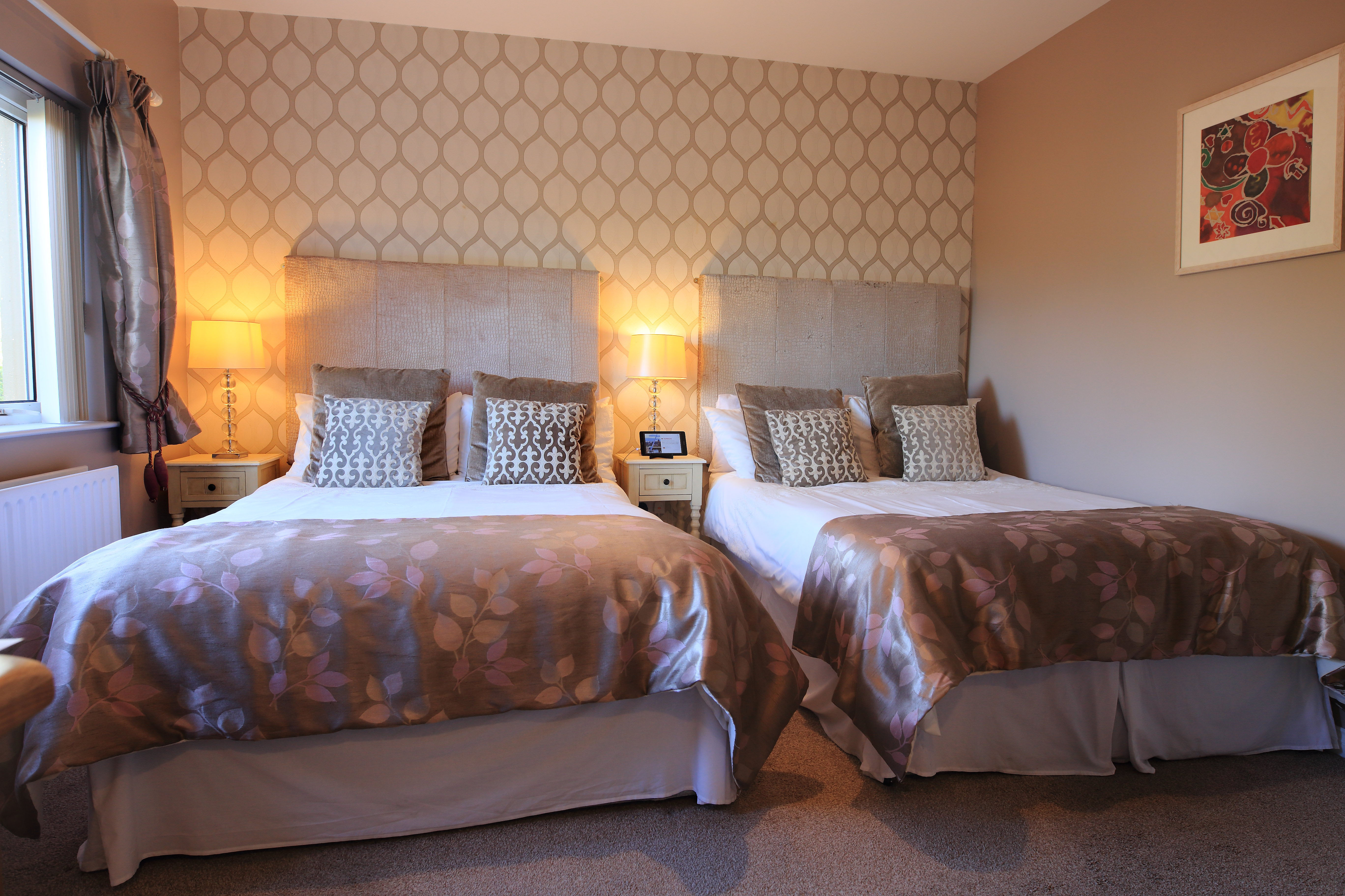 Room 5  Family Room Sleeps 4 Elagh View B&B With Shared Kitchenette