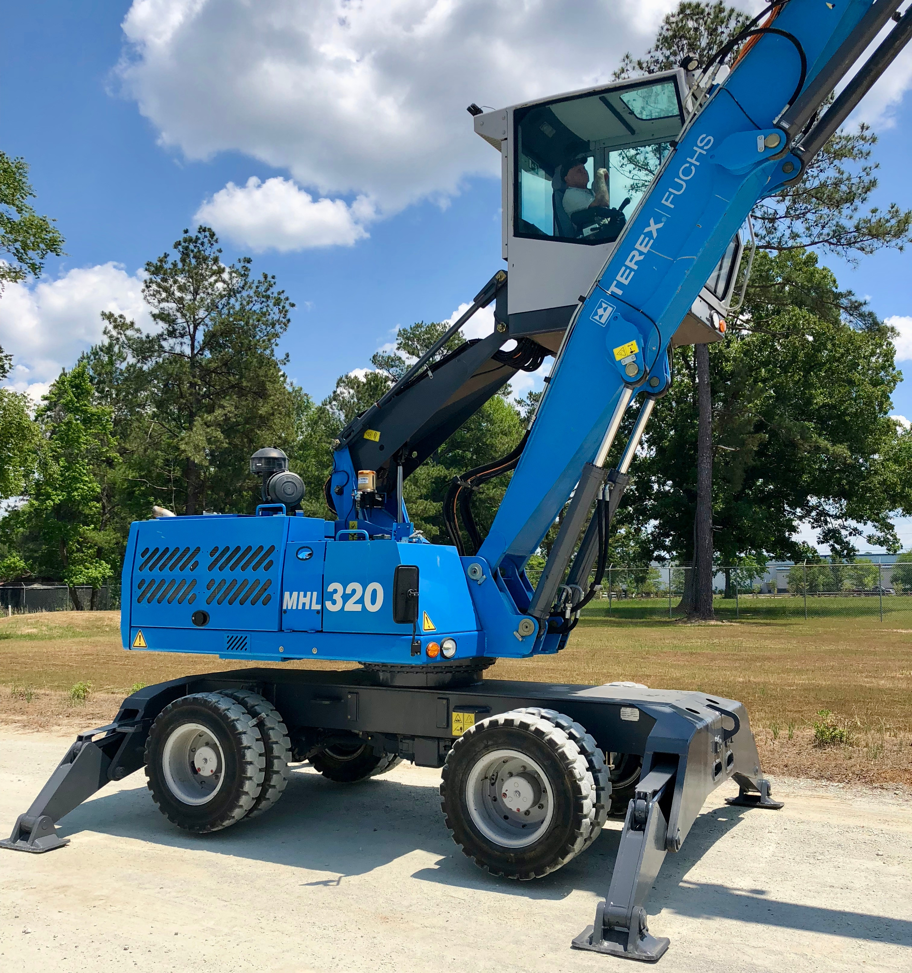 Used 2013 Fuchs MHL320D For Sale