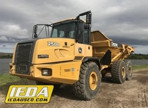 Used 2010 John Deere 250D For Sale