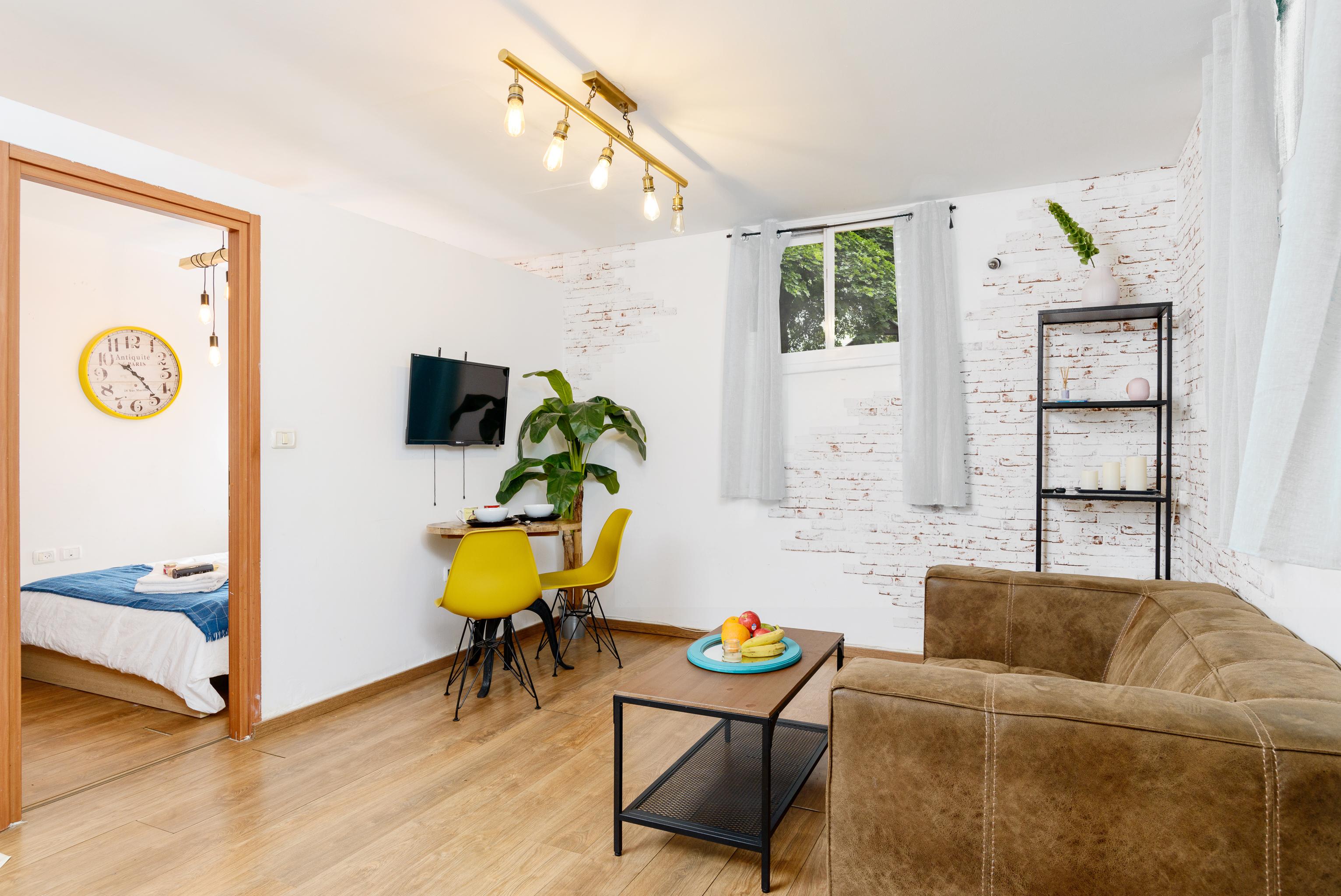 Apartment Designed apartment on Frishman Tlv photo 20675174