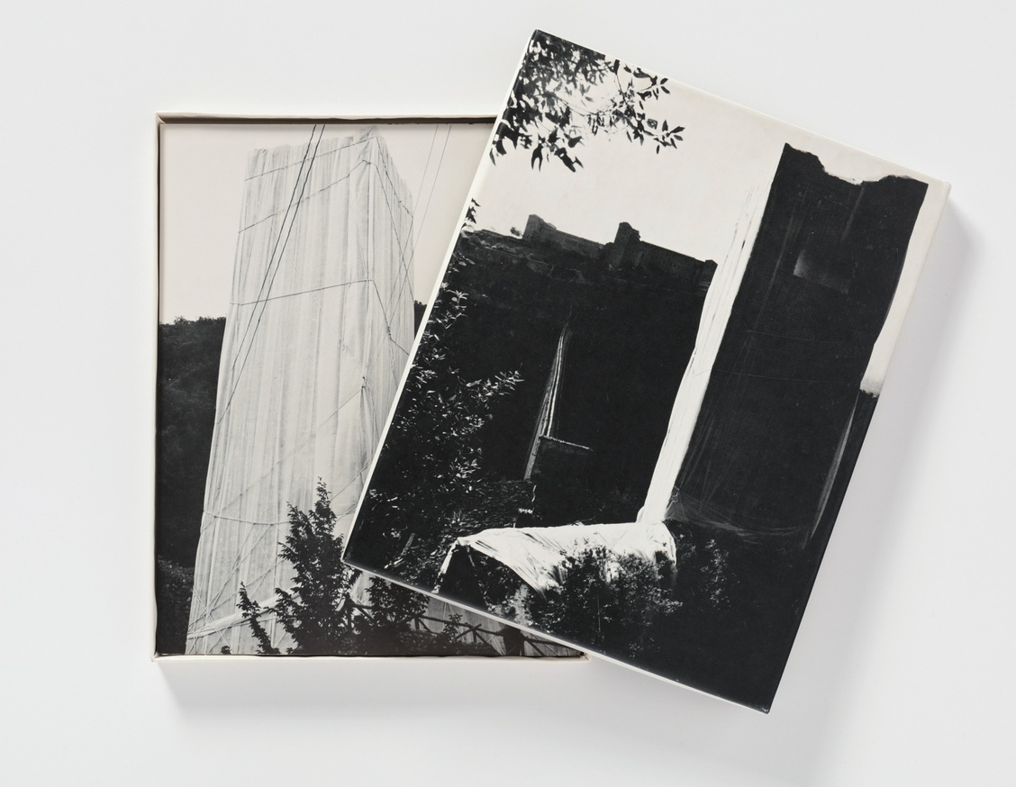 Multiples, Inc.: Items from the Artists & photographs Box, 1970