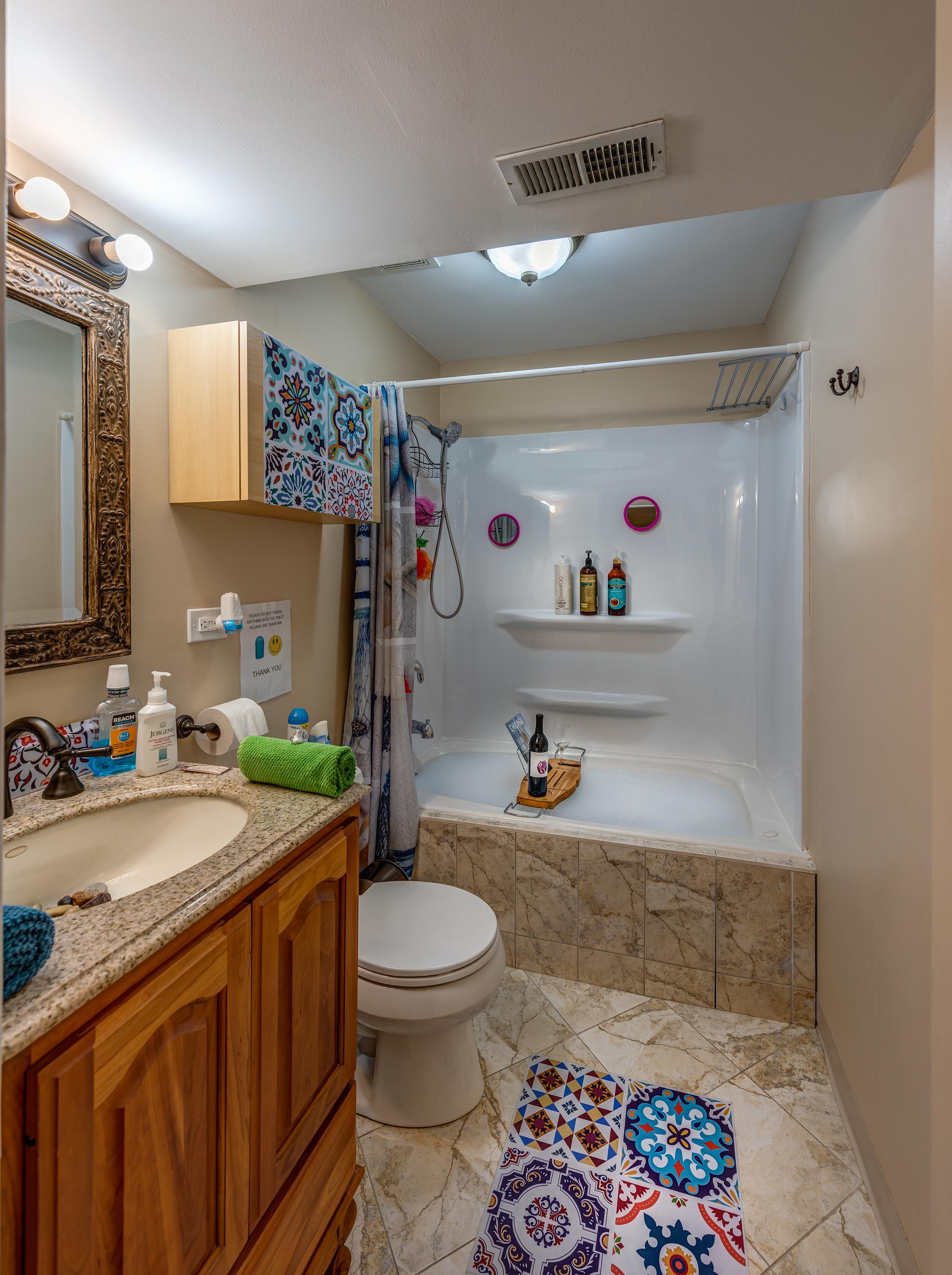D-K-GNFamily Friendly Apartment near University. photo 23582661