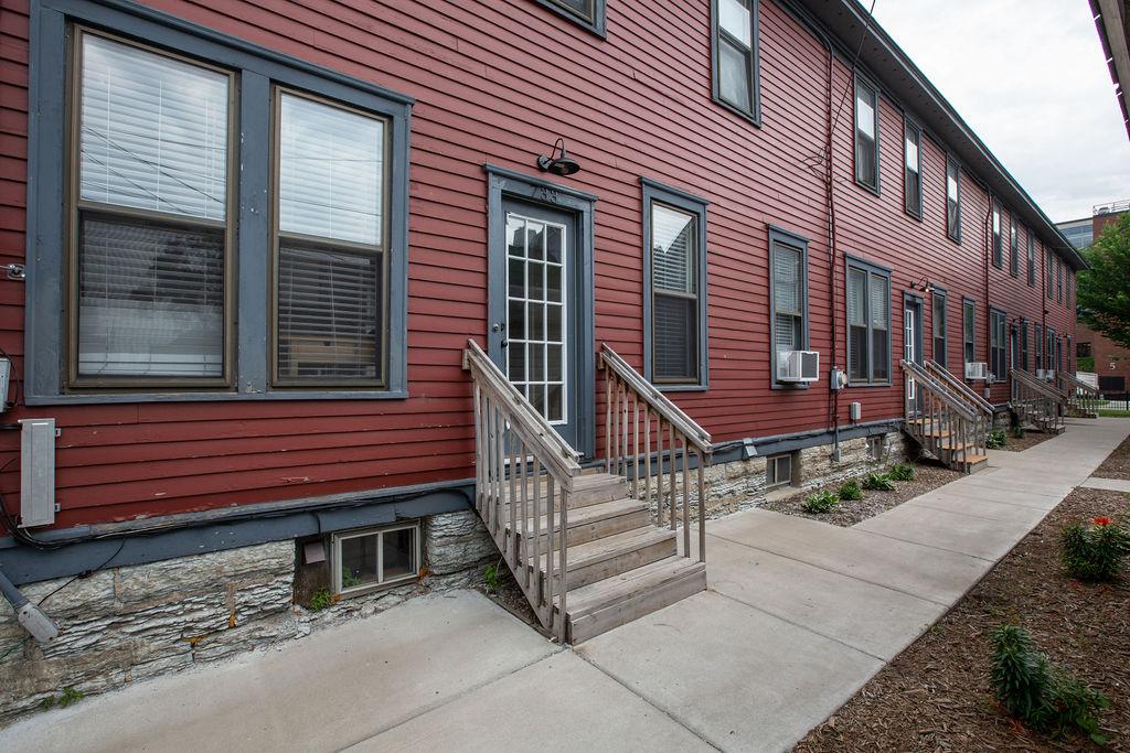 Apartment Citylife Parking Couples Sleeps 8 1 5ba Eatstreet  photo 23898451