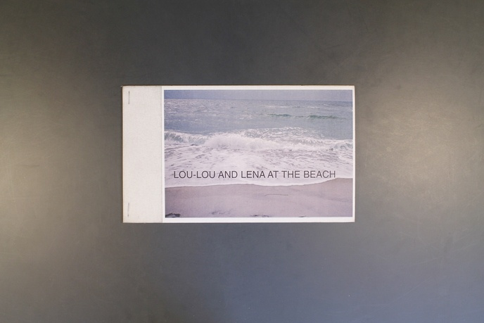 Lou-Lou and Lena at the beach                                                                                                                                                                                                                                   thumbnail 4