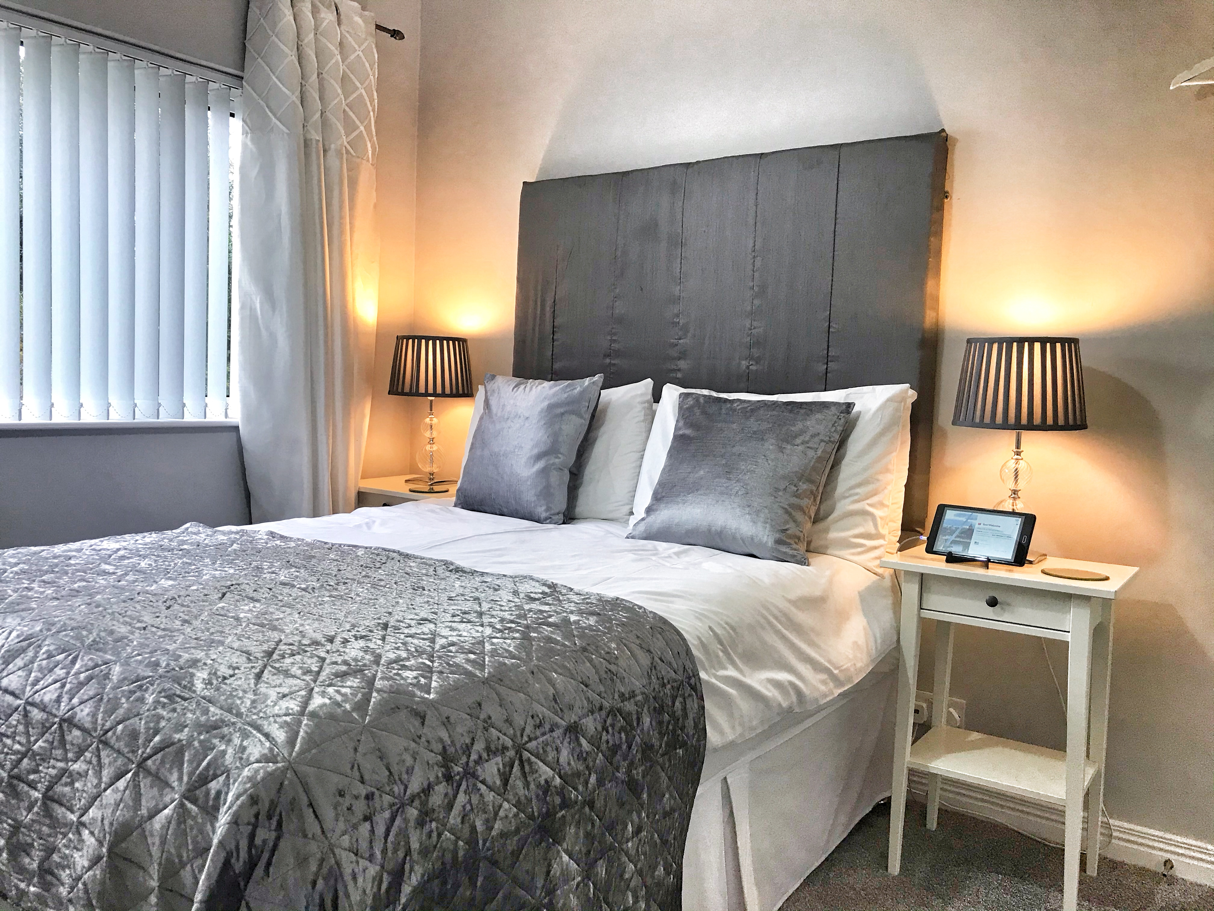 Room 2  Double En-Suite Elagh View B&B With Shared Kitchenette
