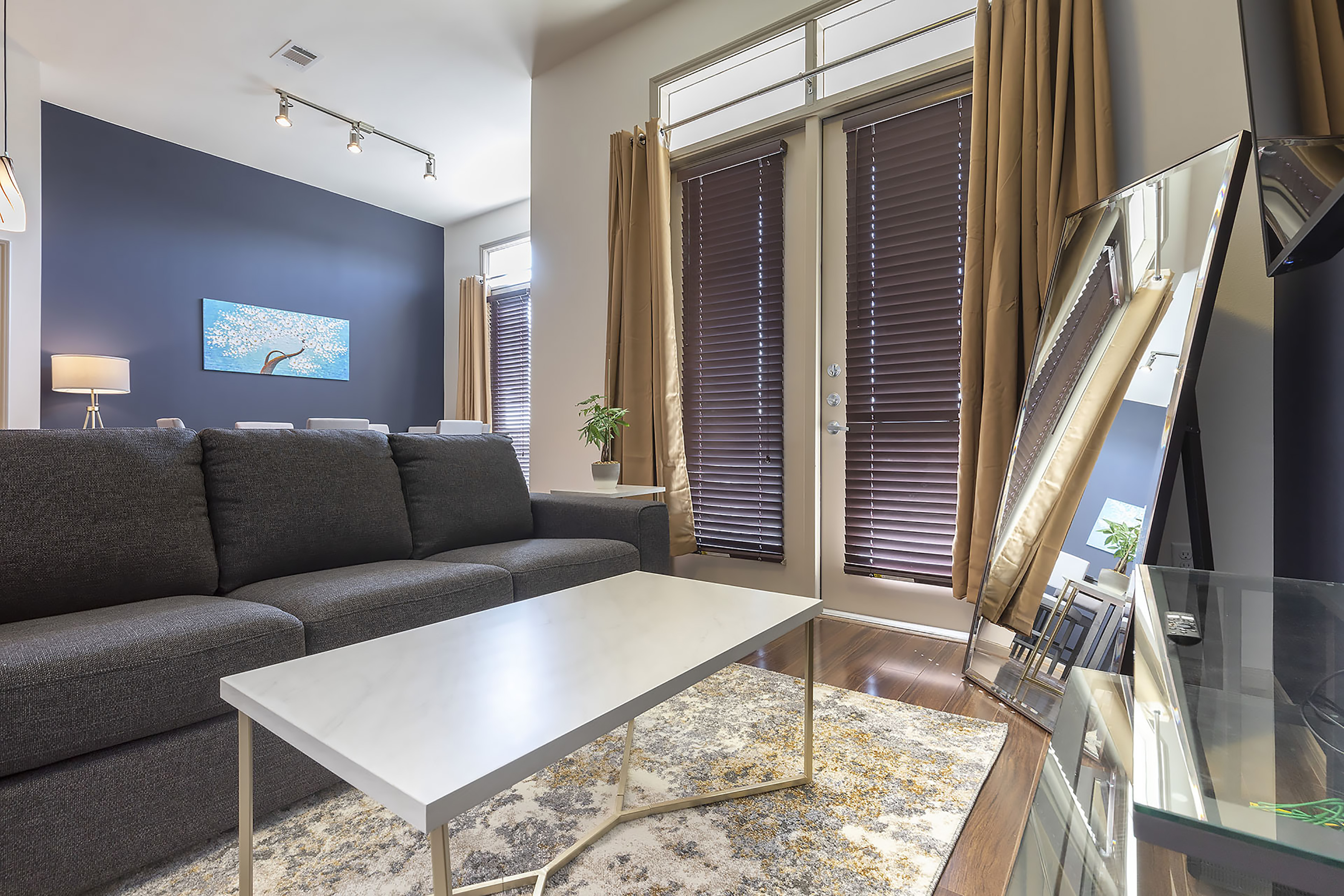 LUXURIOUS CALI KING BED MIDTOWN FULLY EQUIPPED CONDO - ⭐⭐⭐⭐⭐ photo 21440916