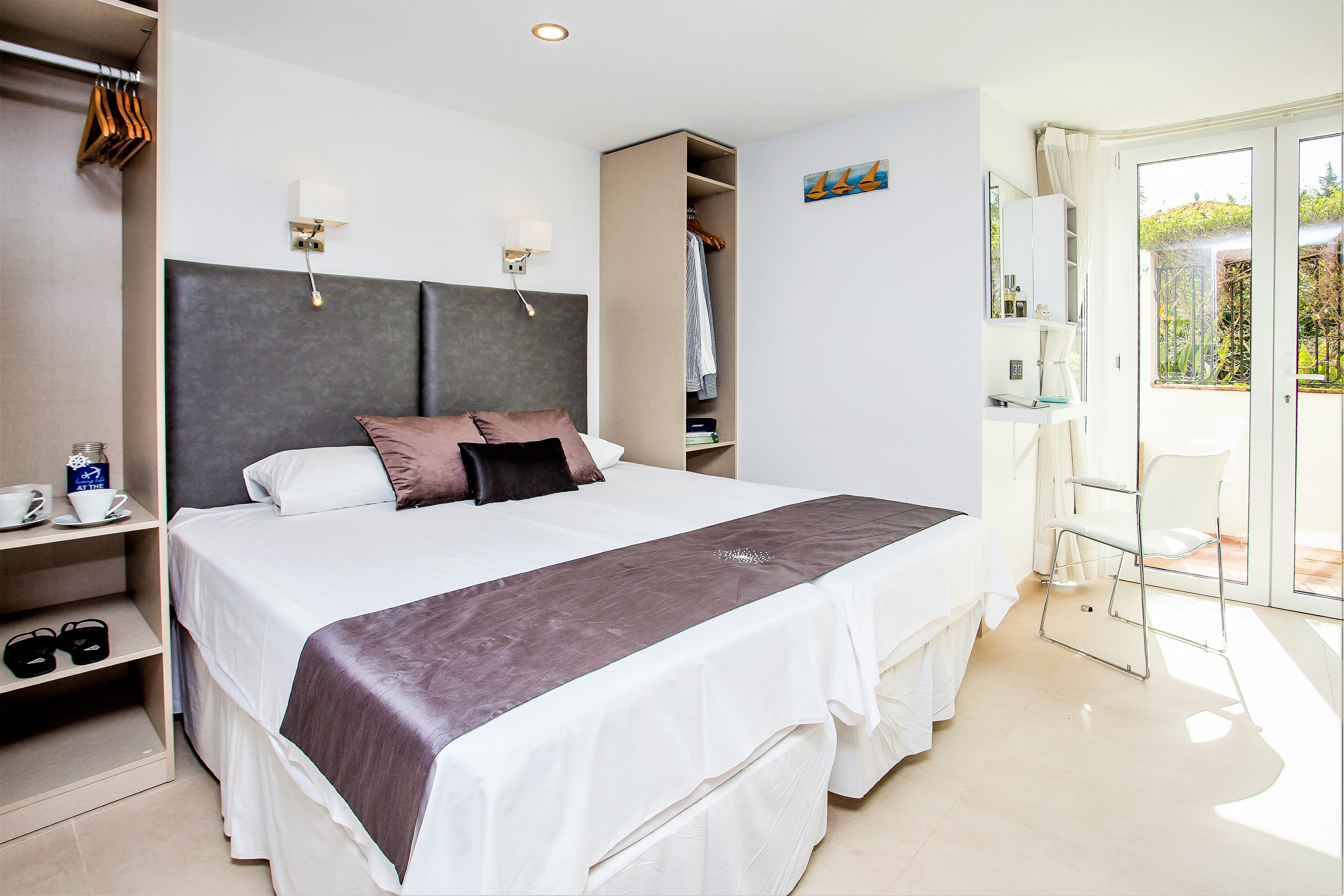 Apartment 4 B R  VILLA by Puerto Banus   Sea 5 m                                photo 20147470