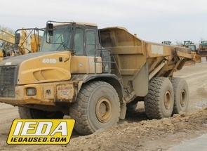 Used 2005 John Deere 400D For Sale