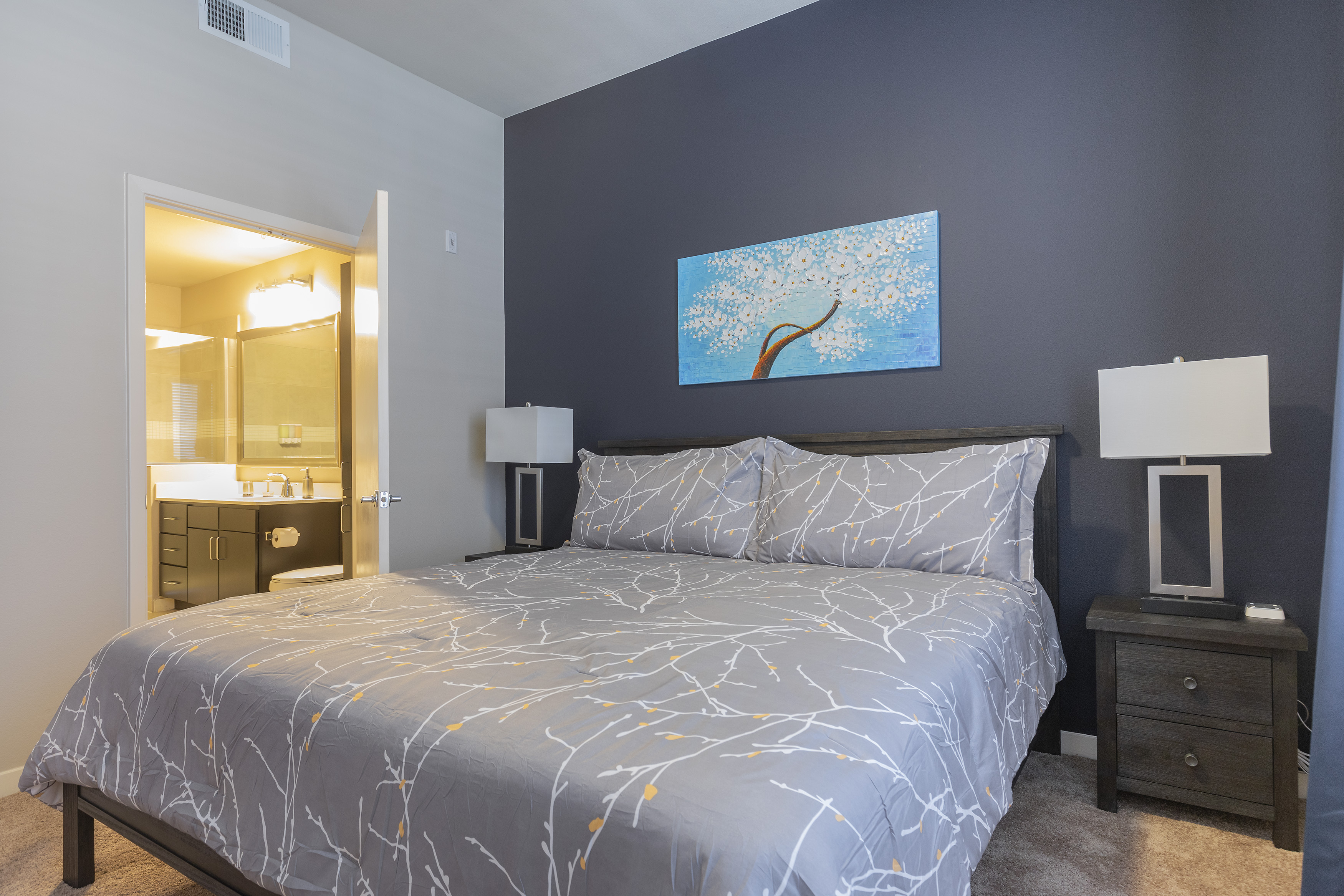 Apartment KING SIZE BED LUXURIOUS MED CENTER FULLY EQUIPPED CONDO photo 21441099