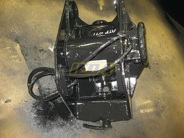Used  Wain-Roy SWINGER Q/A COUPLER For Sale
