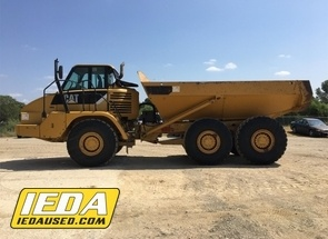 Used 2008 Caterpillar 725 For Sale