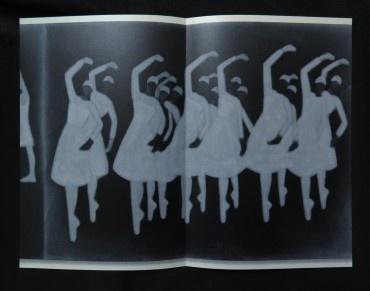 A series of images following one from the other Eine aufeinander folgende Reihe von Bildern thumbnail 2