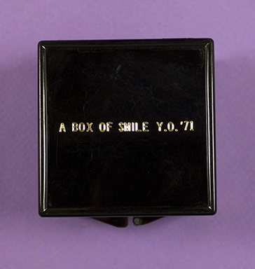 A Box of Smile [Black]