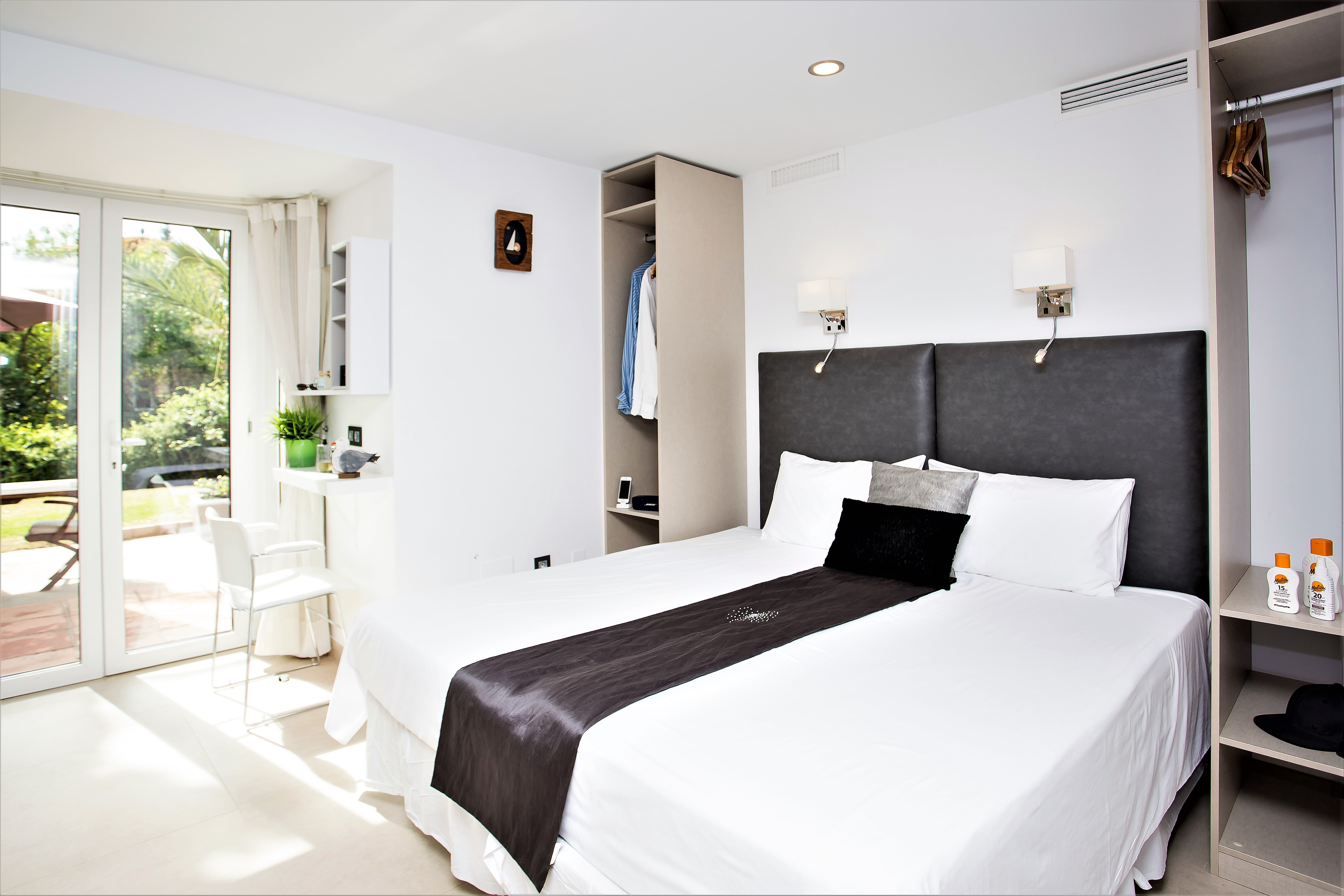 Apartment 5 B R VILLA BY PUERTO BANUS   SEA 5min                                photo 20281246