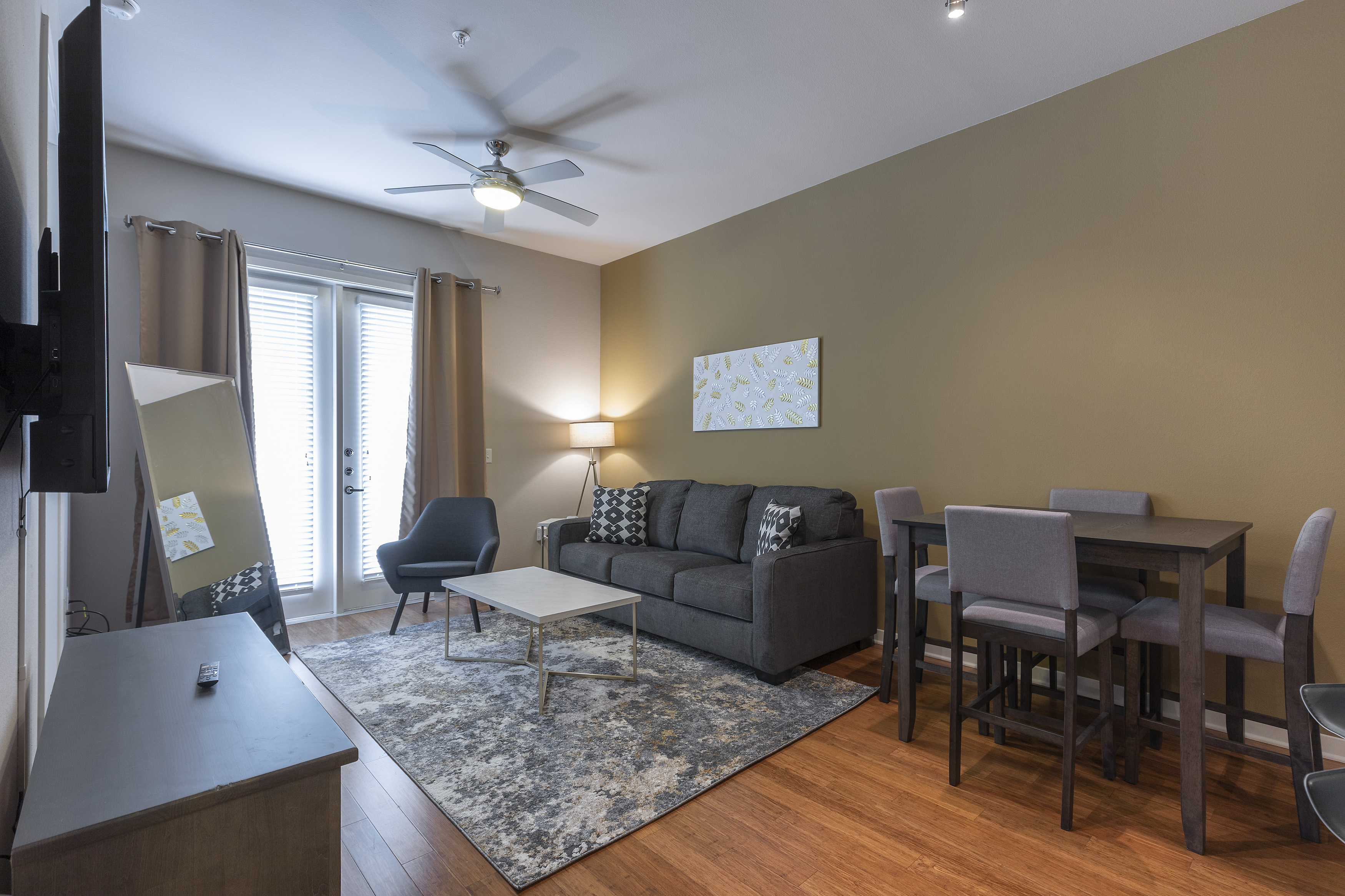 LUXURIOUS - KING SIZED BED - MED CENTER FULLY EQUIPPED CONDO photo 21441046