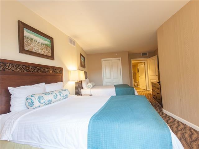 Apartment Wyndham Wakiki Beach Walk 2 Bedrooms 2 Bath photo 20366163