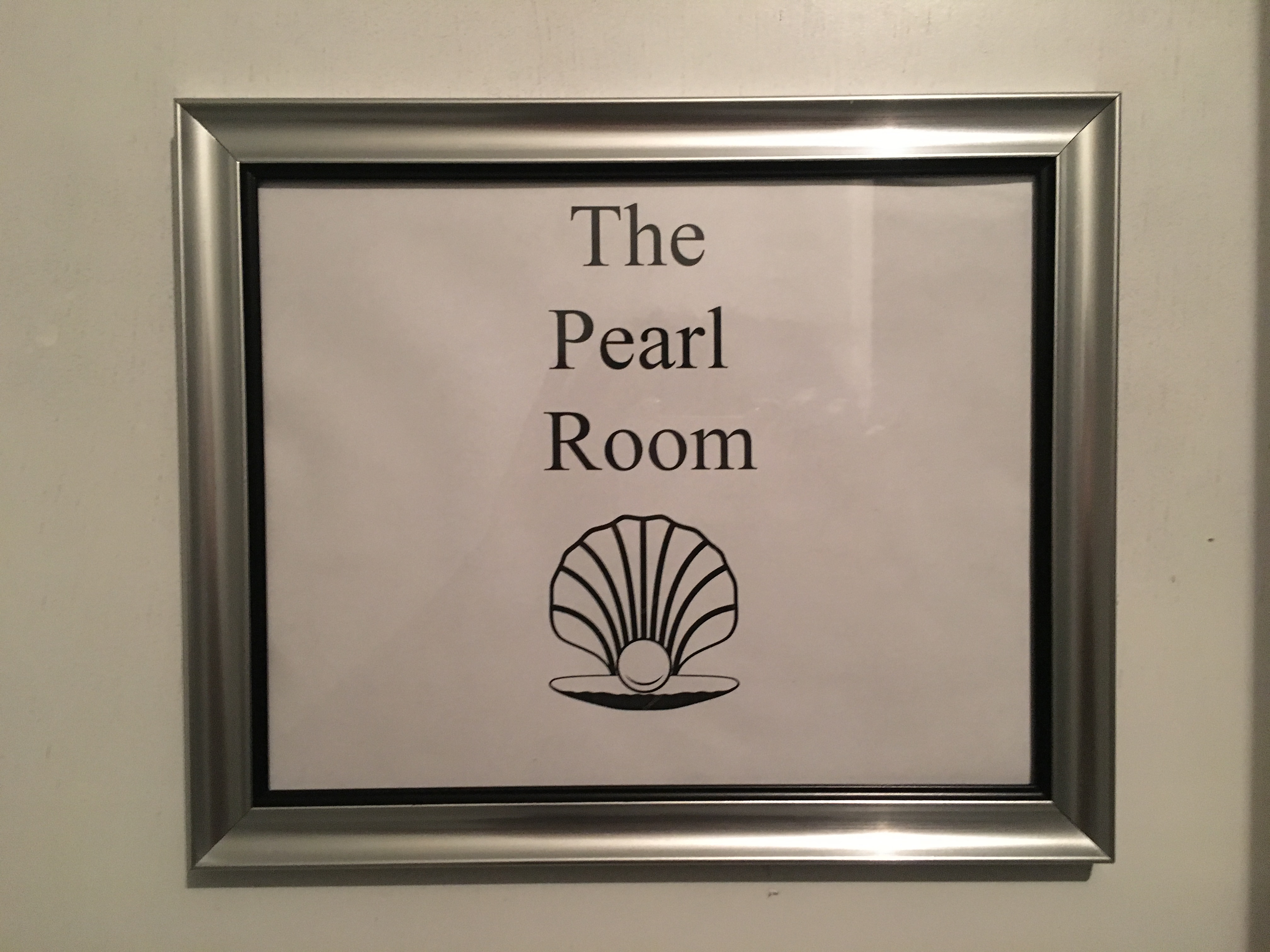 The Pearl Room Mins Away From Oak Hill Hospital photo 16947669