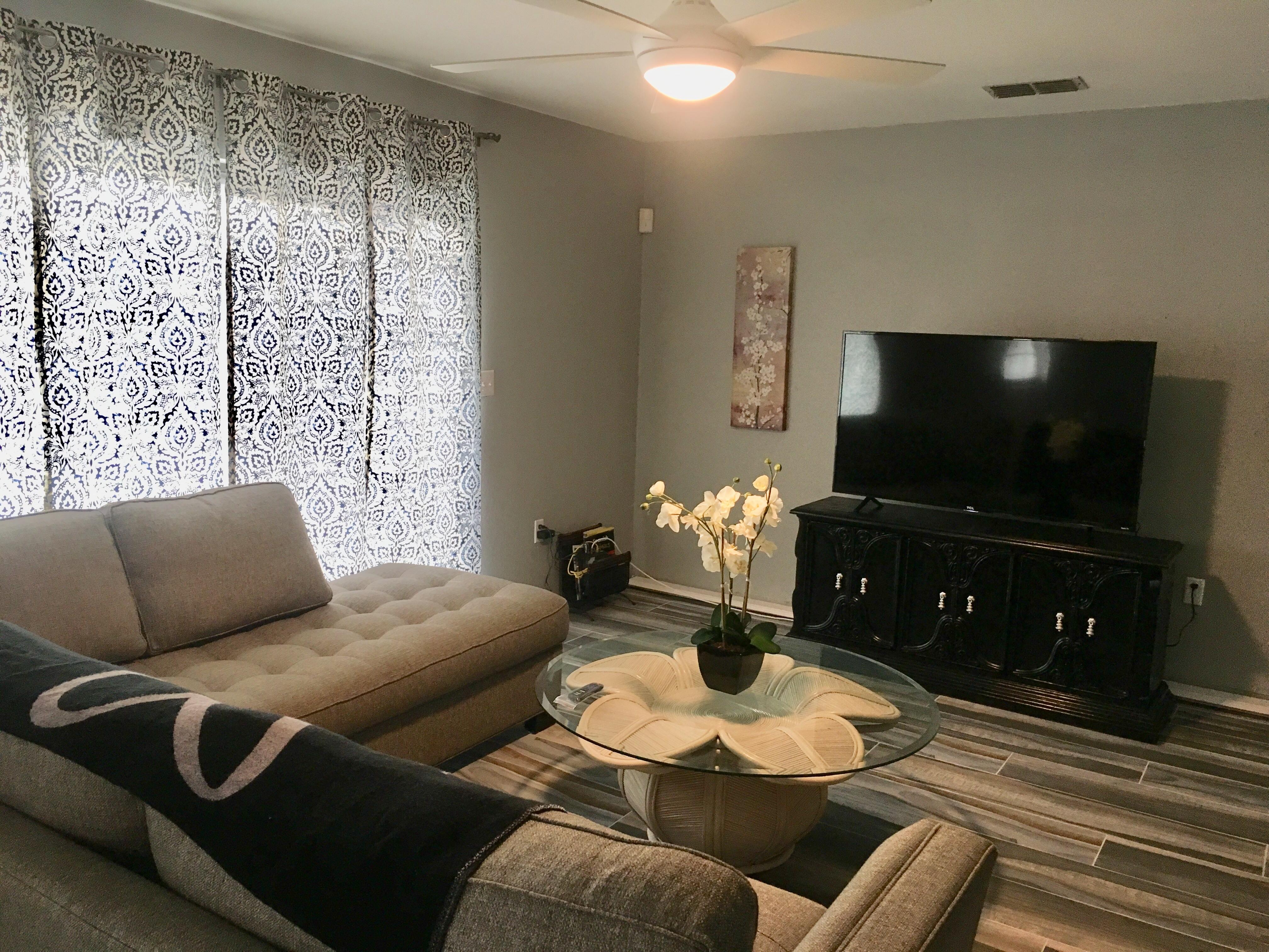 Apartment 3 Bedroom House photo 16823530