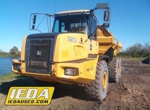 Used 2013 John Deere 250D II For Sale