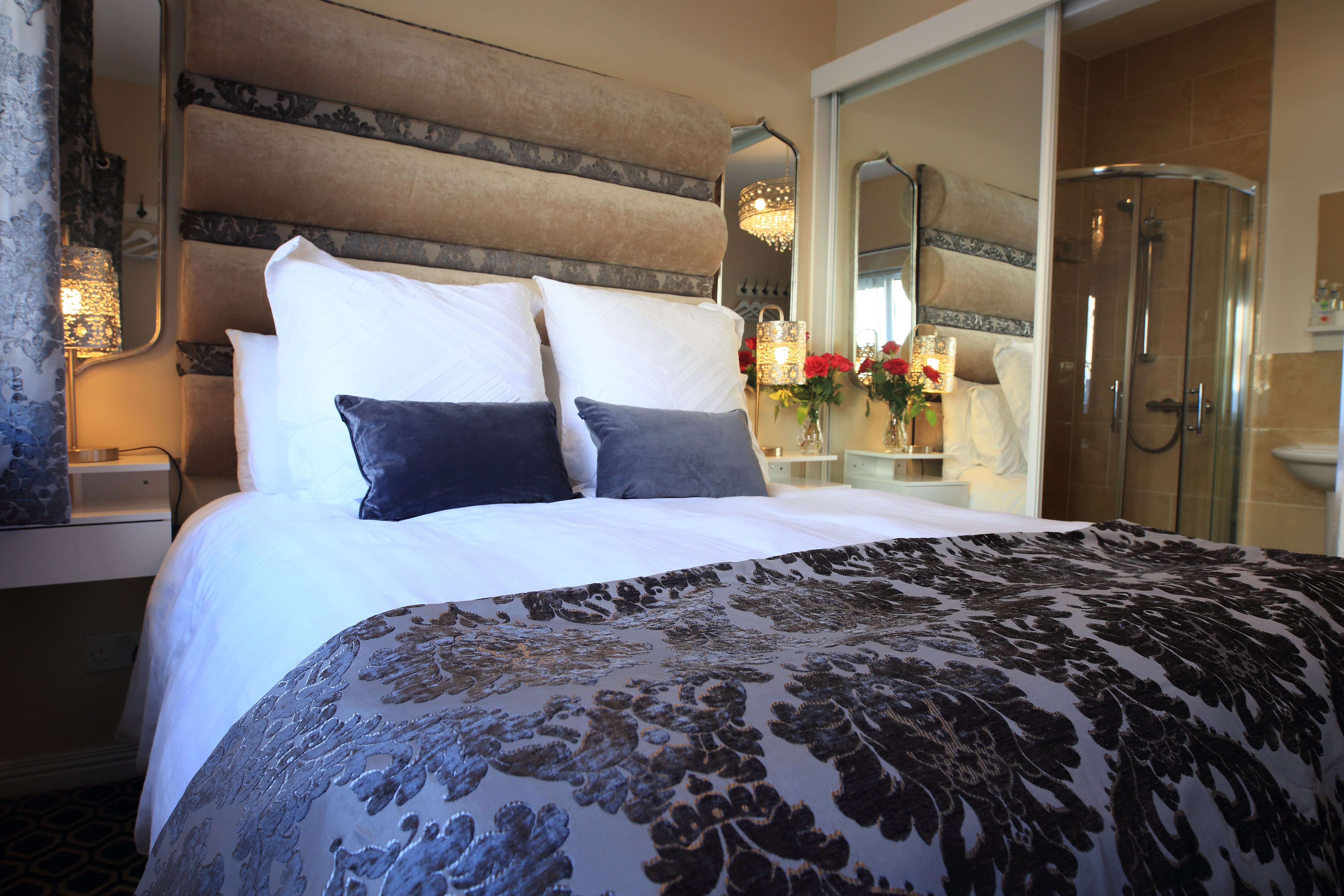Room 1 Elagh View B&B King En-Suite With Shared Kitchenette