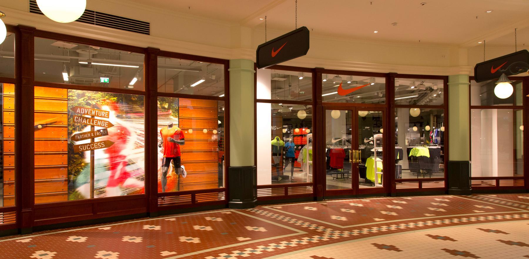 1b7a1eddba9077 Nike Factory Store Salzburg. Salzburg