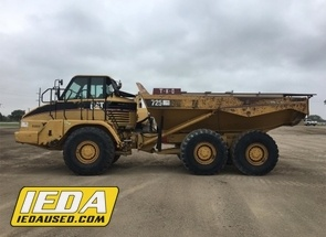 Used 2006 Caterpillar 725 For Sale