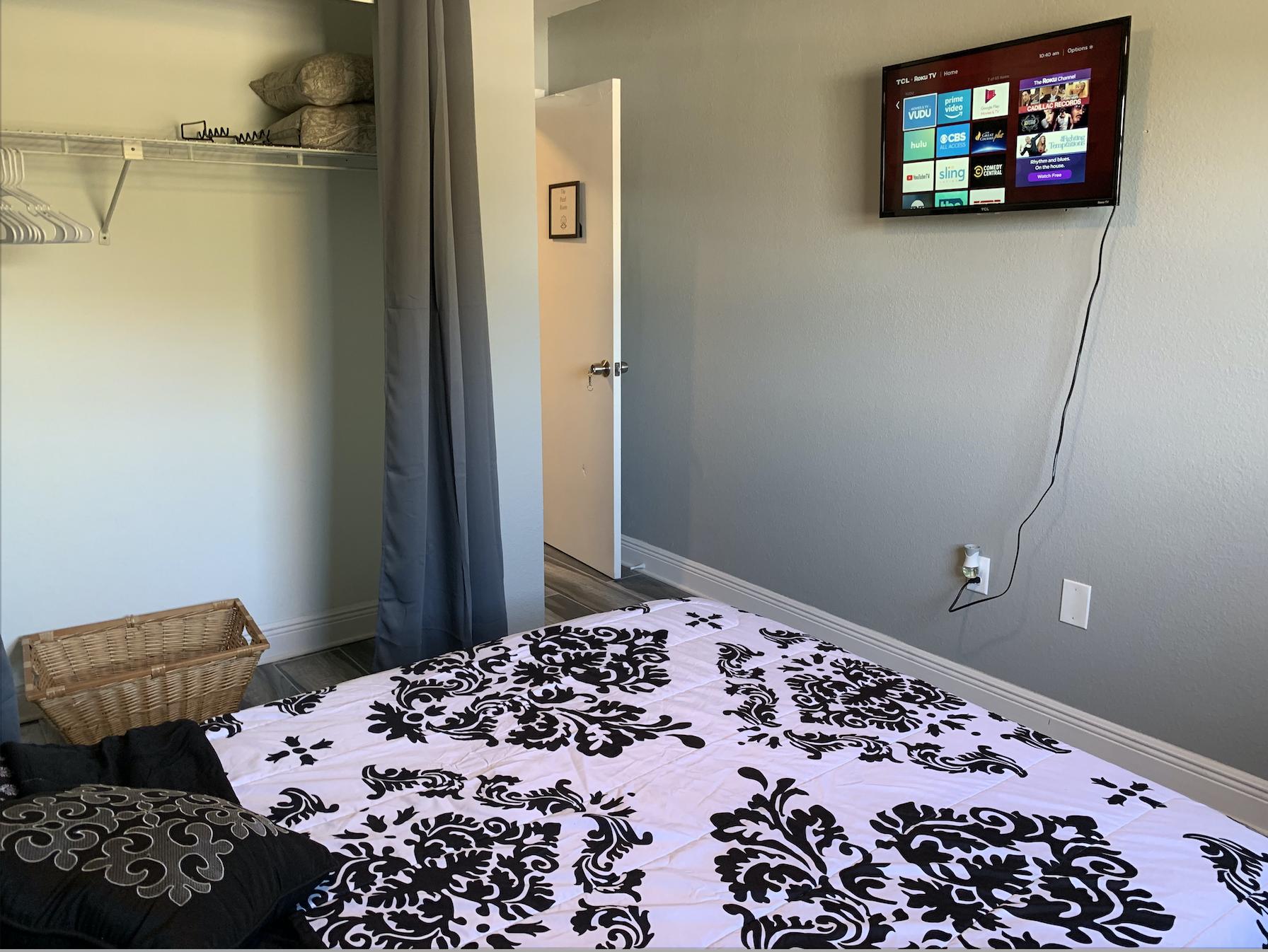 Apartment 3 Bedroom House photo 16947324