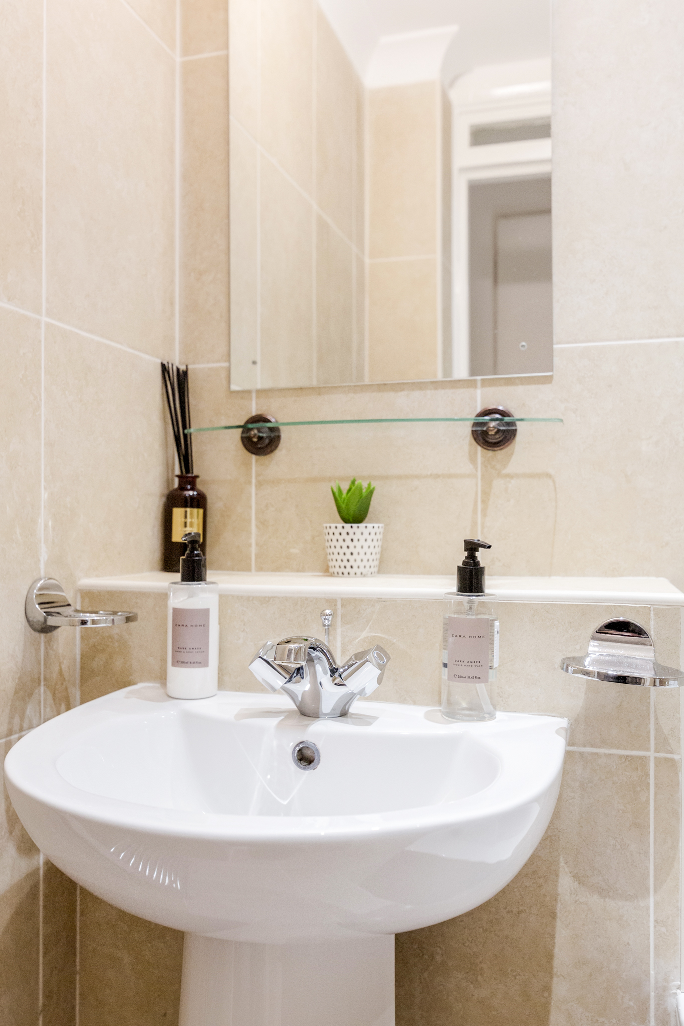 Apartment Professionally cleaned Beautiful studio apartment on Kings Road  Chelsea photo 20243718