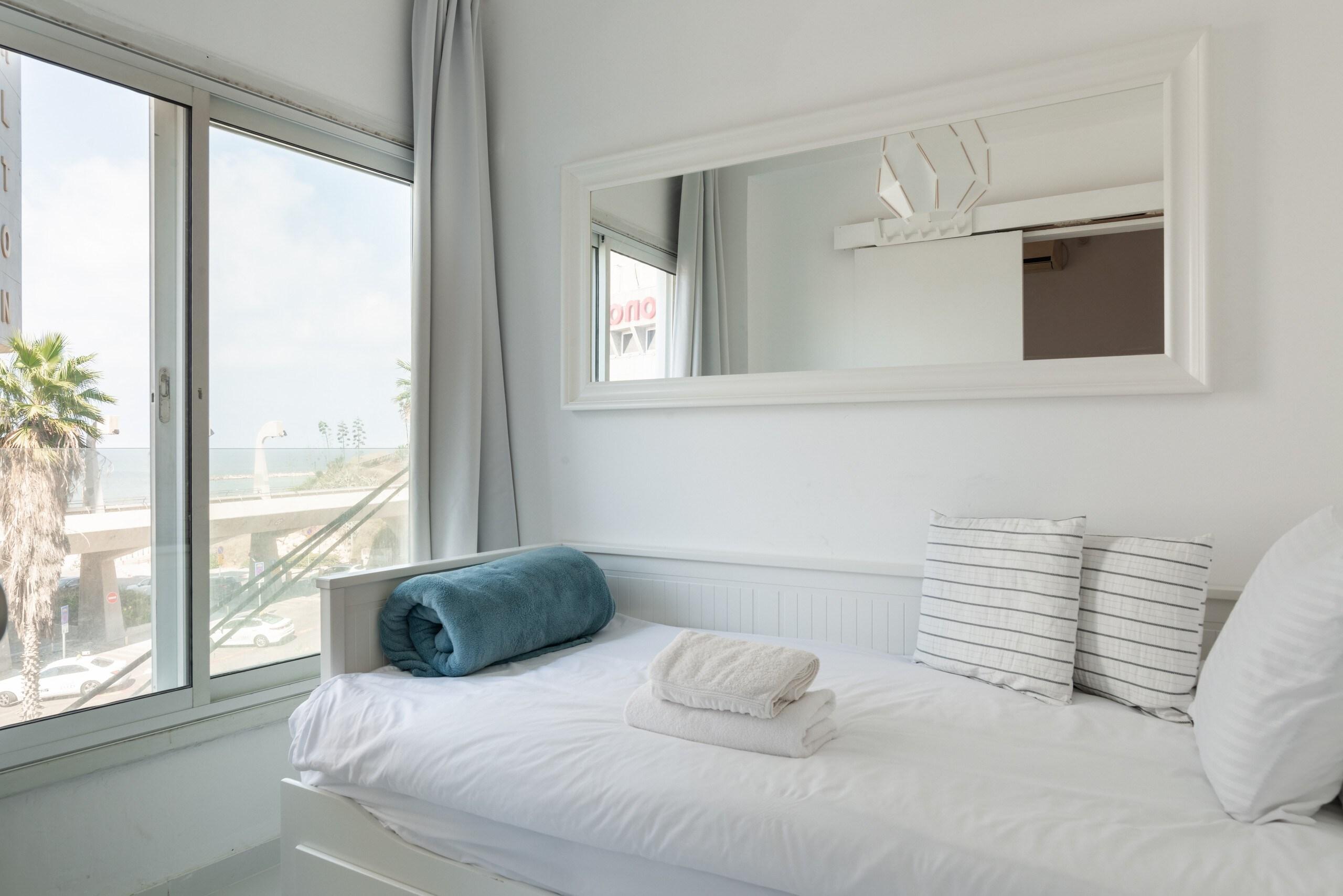 Sea View 2 bedroom apartment next to Hilton beach photo 21105491