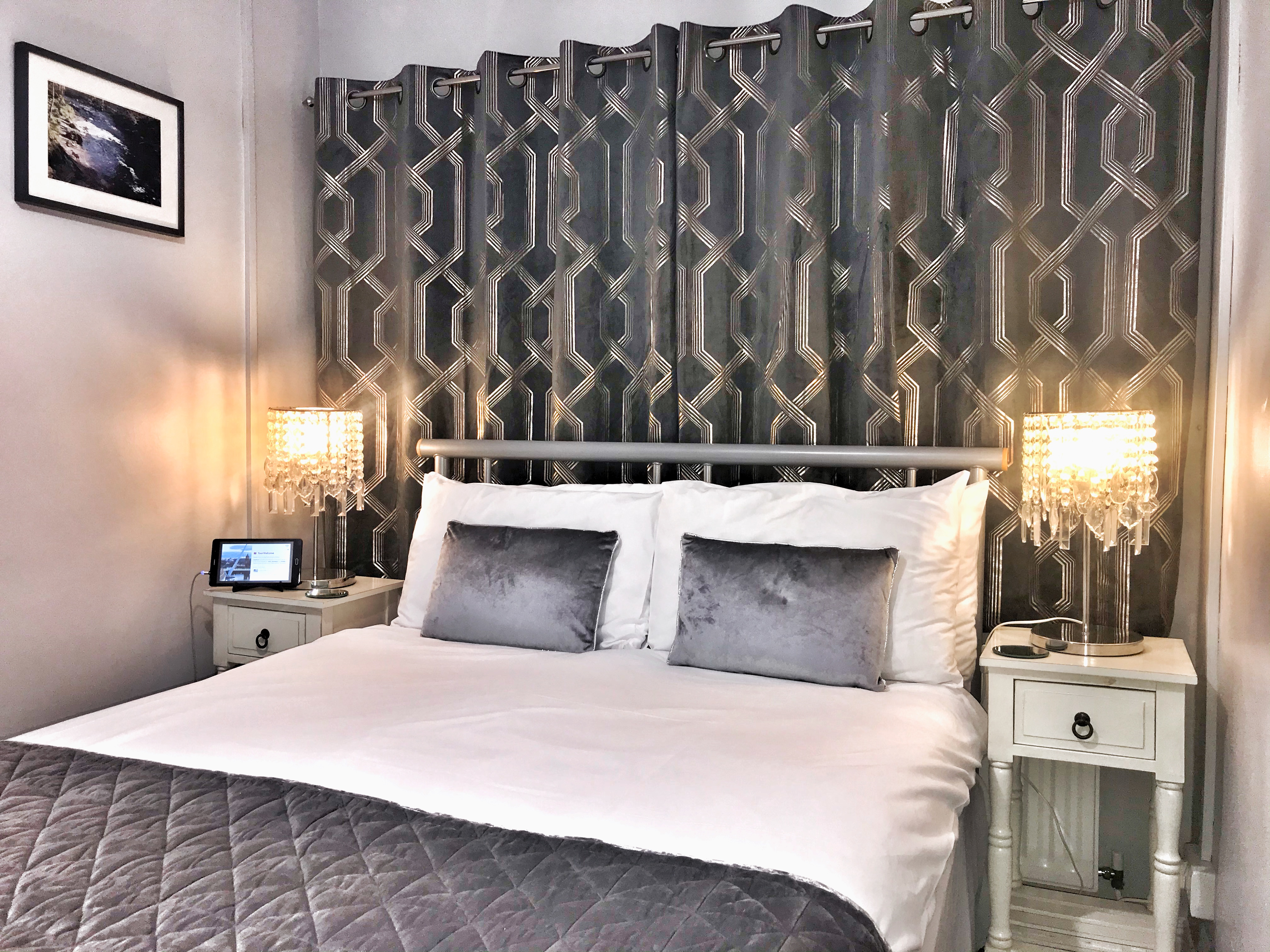 Room 3 Double En-Suite Elagh View B&B With Shared Kitchenette