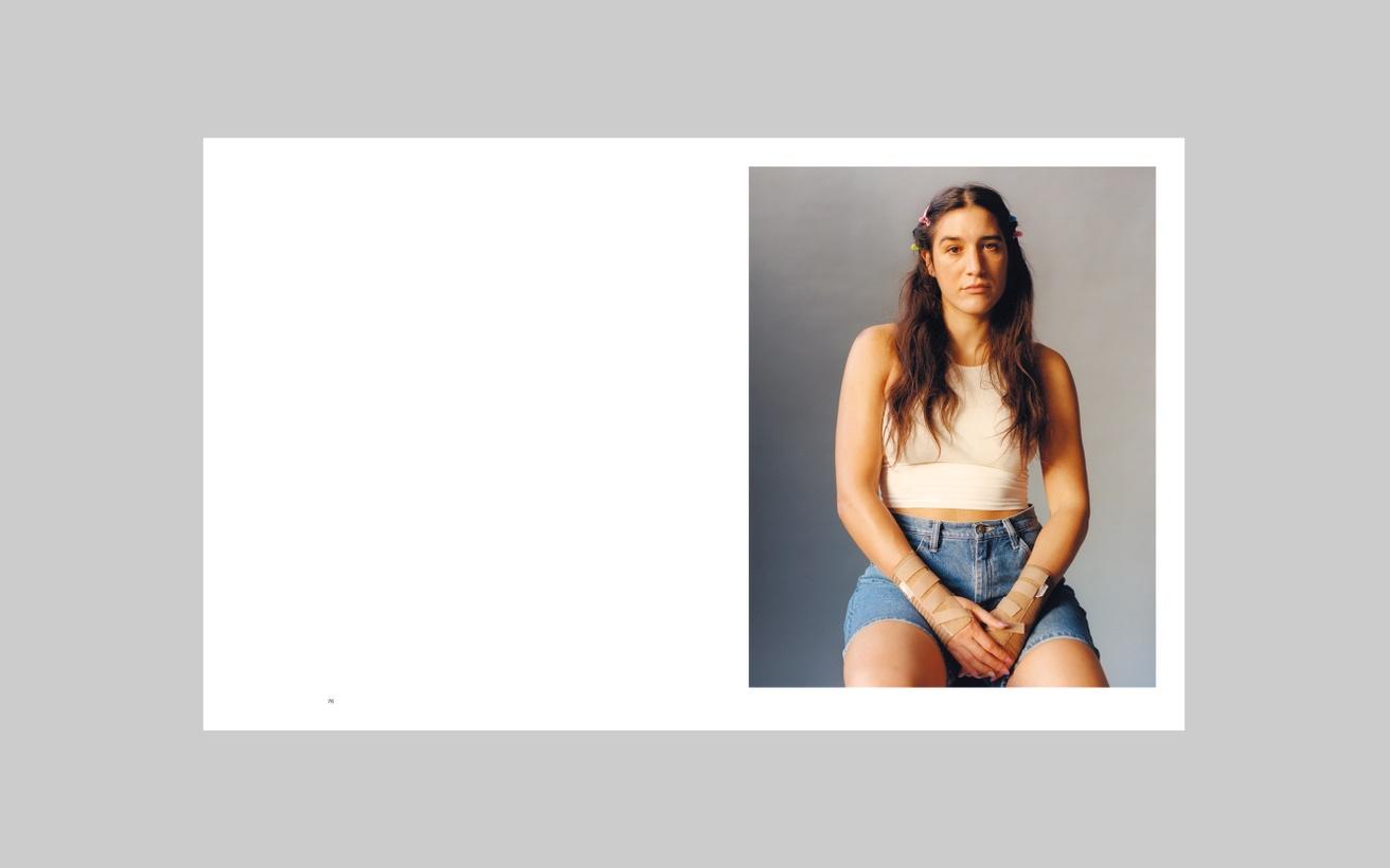 Lola & Pani Studio Portraits 2015 - 20 thumbnail 6