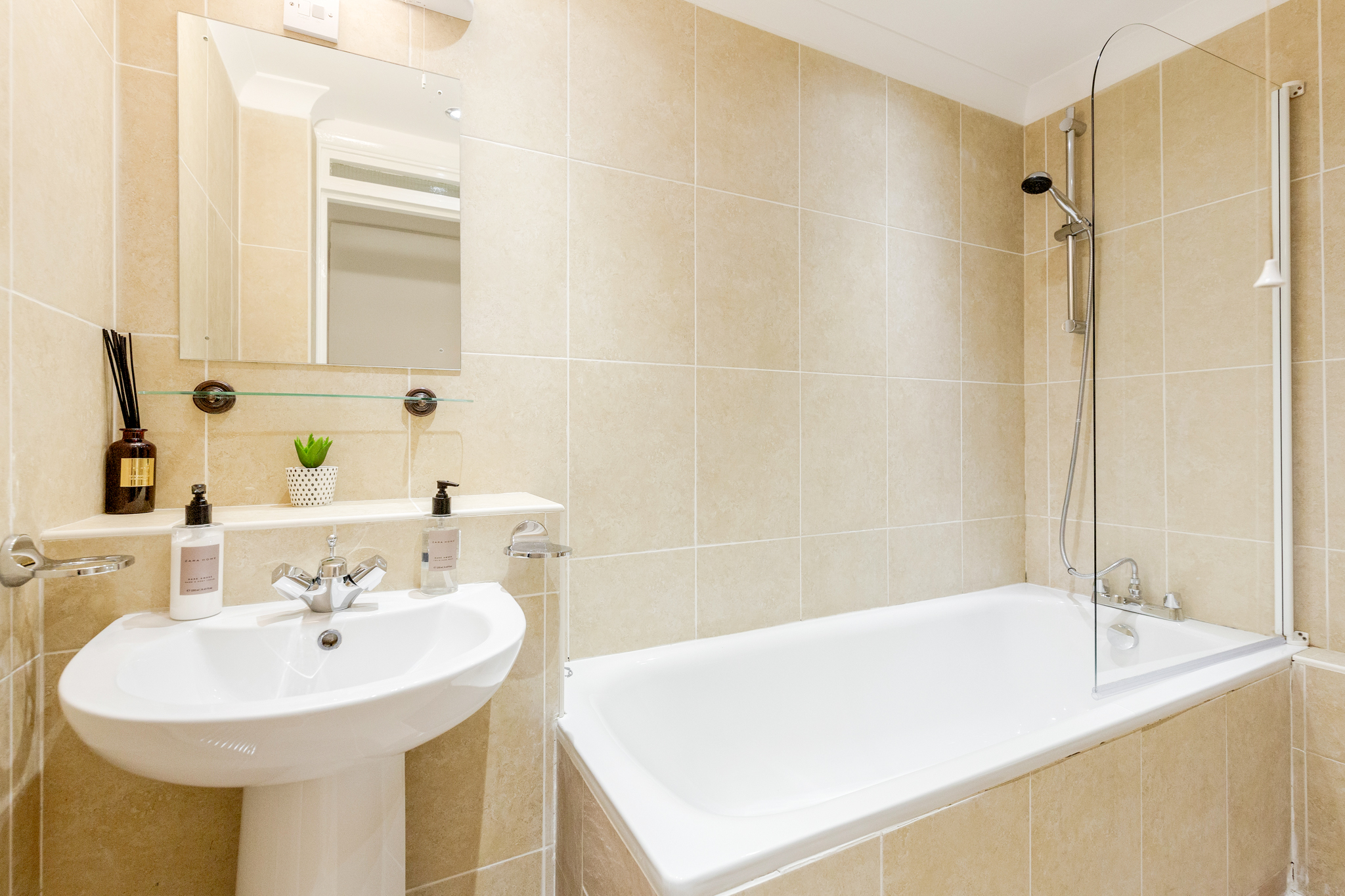 Professionally cleaned Beautiful studio apartment on Kings Road, Chelsea photo 20202524